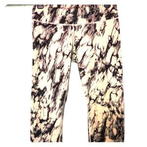 Lululemon Marbled high Rise Cropped Yoga Pants
